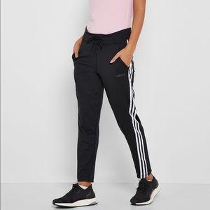 ✨NWT✨ Adidas 3 Stripes Pants